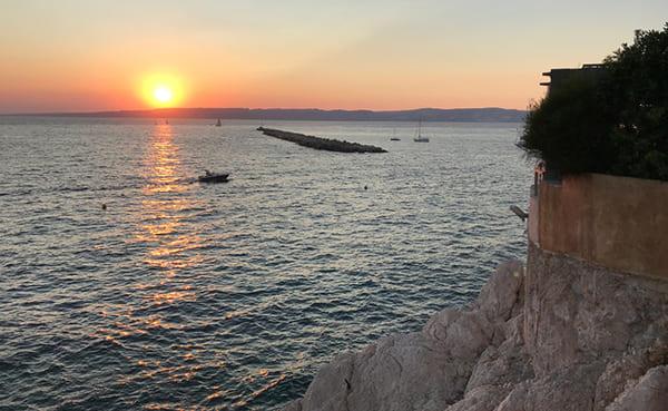 このカメラで夕日風景を綺麗に撮影した画像