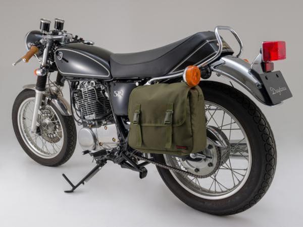 サドルバッグMILを装着したバイクの画像