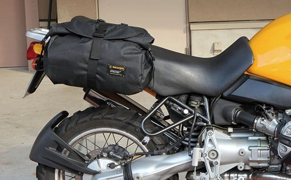 デグナー防水バッグの装着イメージ