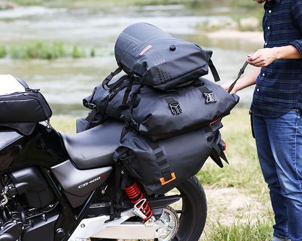 ターポリンシリーズでのバイク積載画像