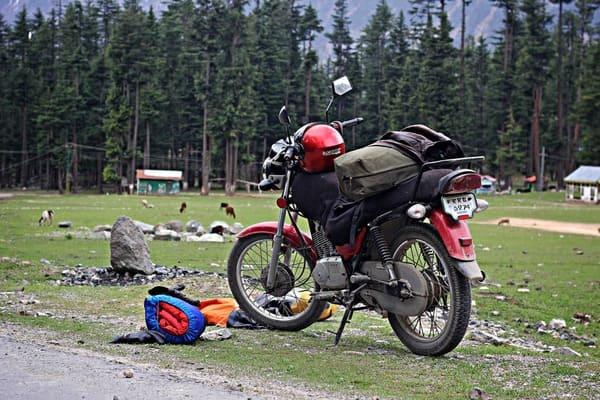 キャンツーに来たバイクの画像