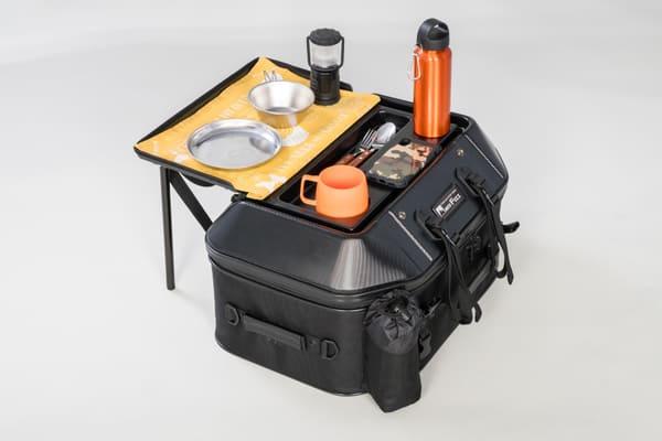 キャンプテーブルシートバッグをテーブル化した画像