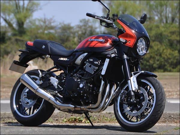 ビキニカウルを装着したZ900RSの画像