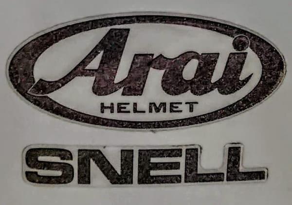AraiとSNELLのロゴ画像