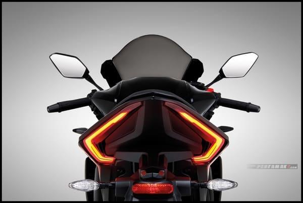 GR200Rのテールライト画像