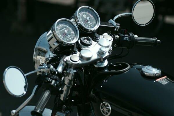バイクのハンドルの画像