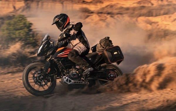 KTMのアドベンチャーバイク画像