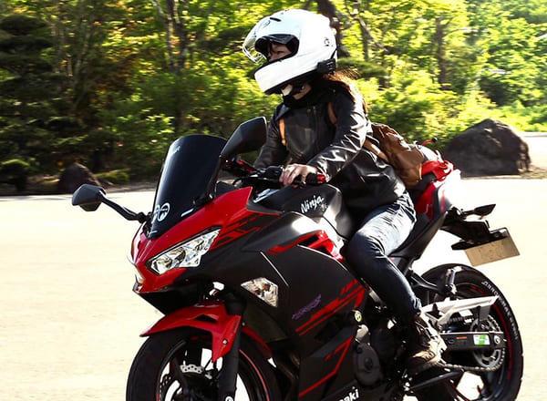 バイク女子の画像