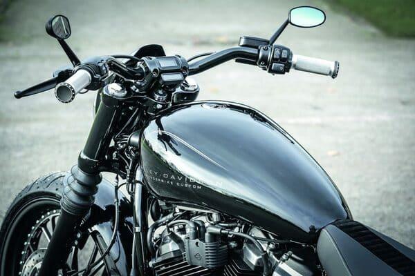 バイクのタンク画像