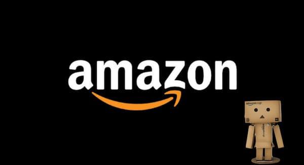 Amazonのロゴとダンボーの画像
