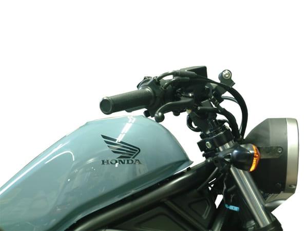 プルダウンバーを装着したレブル250の画像