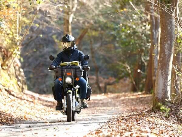 バイクツーリングコットテントの画像